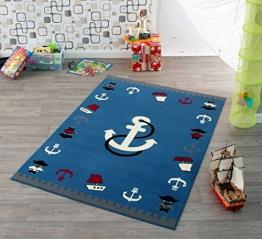 Kinder Teppich Kinderteppich mit Anker / blau / Teppich / Kinder Teppich / Kinderspielteppich / Kinderteppich / Wandteppich / Modell Kinderteppich maritim / Dieser wunderschöne und Kinderteppich mit Anker ist in der Größe ca. 200 x 140 cm erhältlich / Dieser Kinderteppich begeistert die Kids im Nu. In trendigen Farben wird er zum Blickfang in jedem Kinderzimmer. Sooo süß / Ist er endlich in das Kinderzimmer eingezogen, werden die Kleinen sich an diesem lustigen Motiv nicht satt sehen können. Farblich bunt, bringt dieser Kinderteppich eine harmonische Note in jedes Kinderzimmer und bereichert es durch einen modernen und fröhlichen Farbtupfer. Gleichzeitig motivieren sie auch zum Träumen, zum Lernen und sind so lustig, dass sich Ihr Kind seine helle Freude daran haben wird und sich nicht satt sehen kann. Die modernen Designs passen dabei ideal in die Kinderzimmer von heute und begeistern durch die unglaubliche Farbintensität - 1