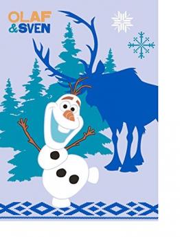Kinder Teppich Kinderteppich mit Frozen / Olaf und Sven / Die Eiskönigin - Völlig unverfroren / Teppich / Kinder Teppich / Kinderspielteppich / Kinderteppich / Wandteppich / Modell Kinderteppich Disney Princess / Dieser wunderschöne und Kinderteppich mit Winnie ist in der Größe 95 x 133 cm erhältlich / Dieser Kinderteppich begeistert die Kids im Nu. In trendigen Farben wird er zum Blickfang in jedem Kinderzimmer. Sooo süß / Ist er endlich in das Kinderzimmer eingezogen, werden die Kleinen sich an diesem lustigen Motiv nicht satt sehen können. Farblich bunt, bringt dieser Kinderteppich eine harmonische Note in jedes Kinderzimmer und bereichert es durch einen modernen und fröhlichen Farbtupfer. Gleichzeitig motivieren sie auch zum Träumen, zum Lernen und sind so lustig, dass sich Ihr Kind seine helle Freude daran haben wird und sich nicht satt sehen kann. Die modernen Designs passen dabei ideal in die Kinderzimmer von heute und begeistern durch die unglaubliche Farbintensität - 1
